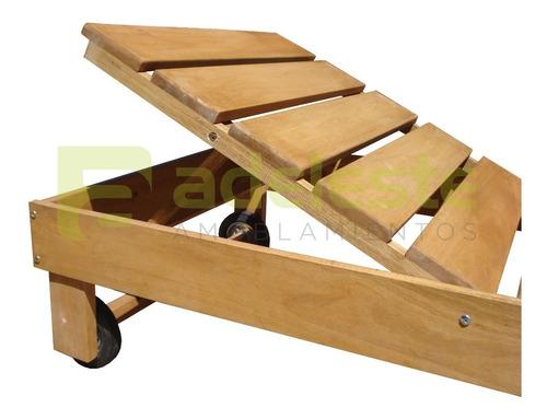 reposera camastro de madera con ruedas. piscinas y jardín