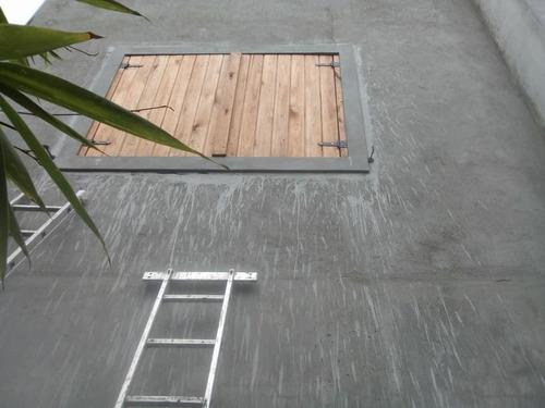 reposera de maderas tipo deck o rustica