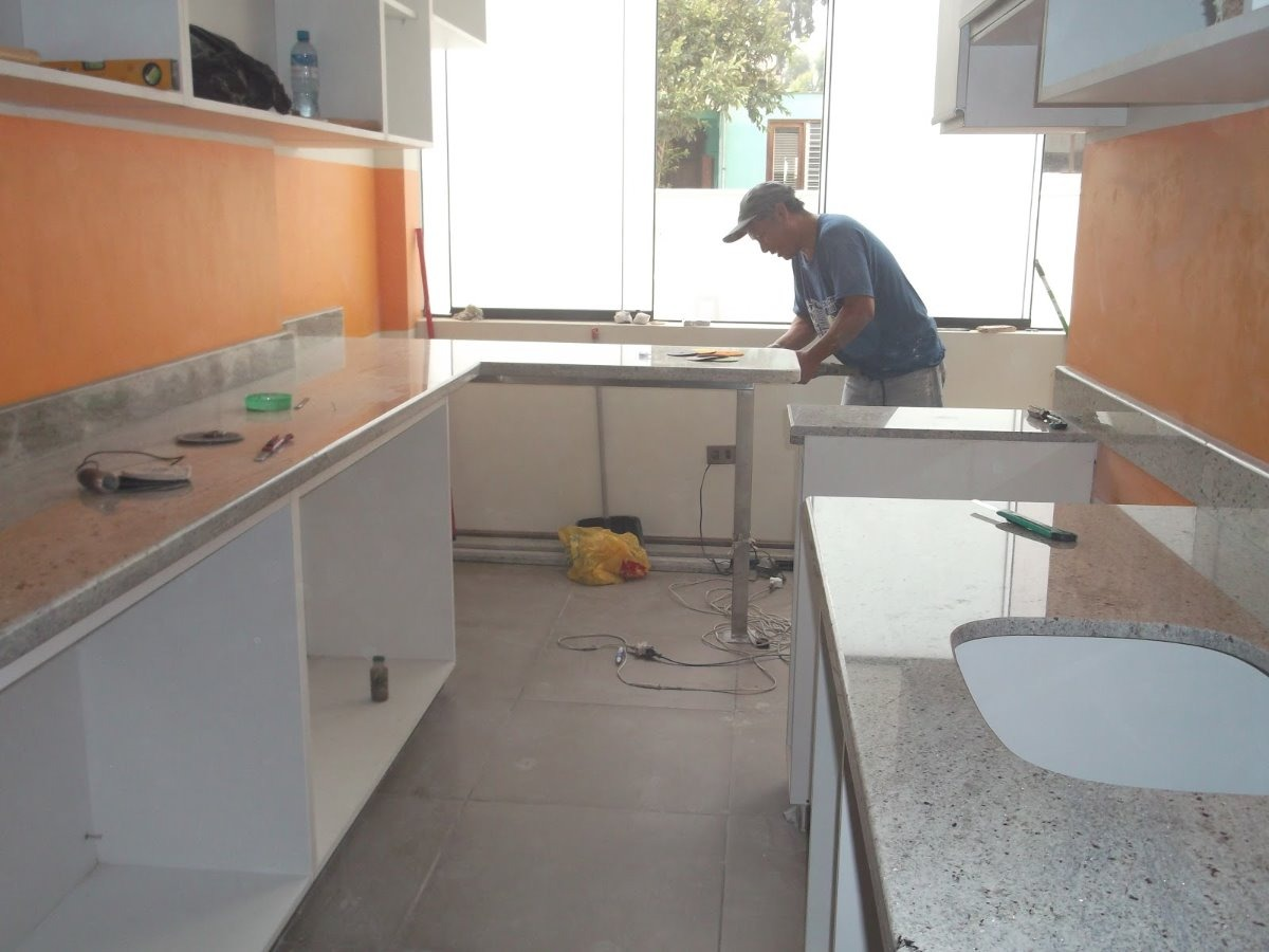 Repostero de cocina de melamina y encimera de granito s for Barra de granito para cocina precio