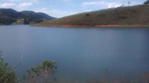represa paraibuna 2.500 m2 ótimo para pesca e barco