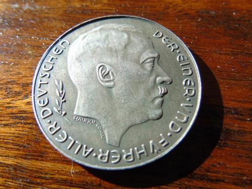 reproducción moneda hitler alemania segunda guerra mundial