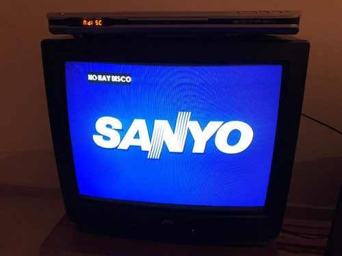 reproductor dvd sanyo con control impecable