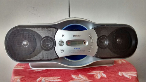 reproductor sony cd y mp3, radio fm y am con control remoto