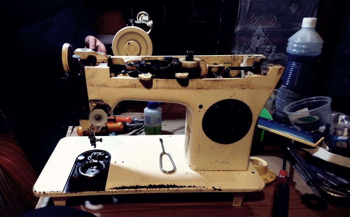 Repuestos Reparación Maquinas Coser Singer - $ 200,00 en