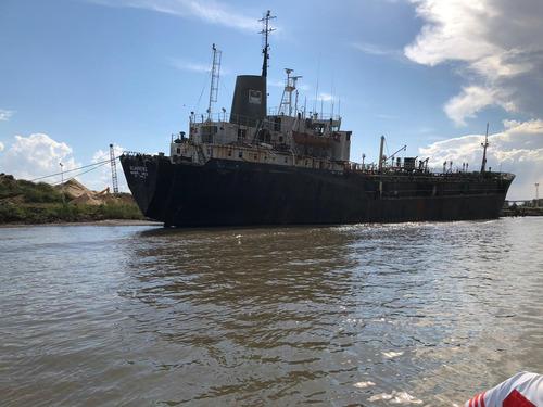 repuestos y partes en su totalidad de buque petrolero