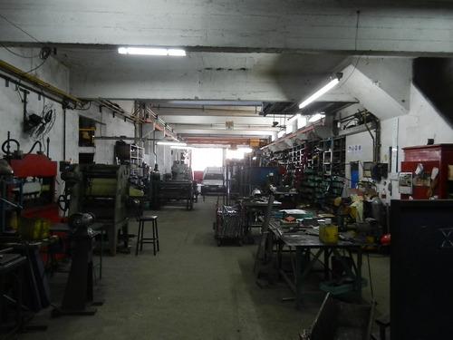 reservado  a. alvarez 3500 deposito villa martelli vende -