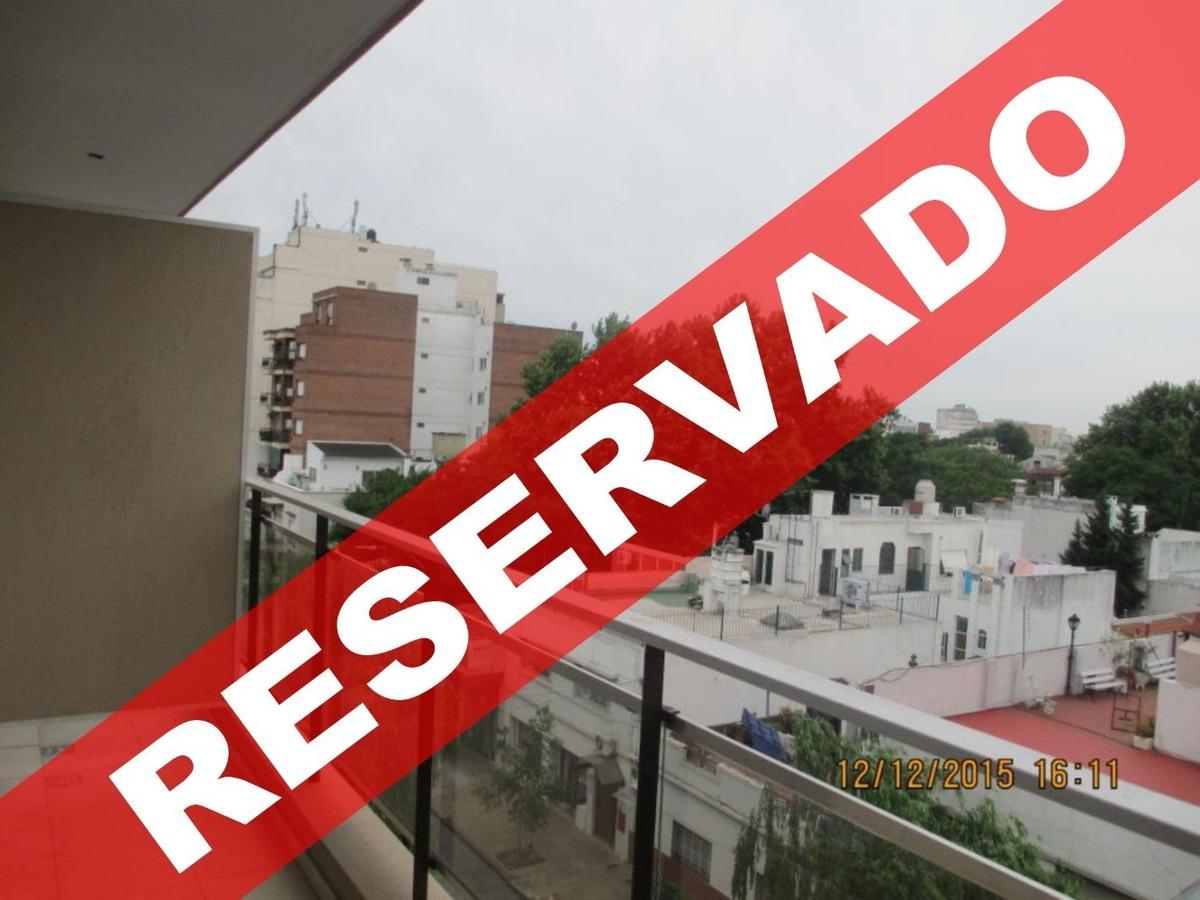 *reservado* depto monoambiente. contrafrente. balcón.