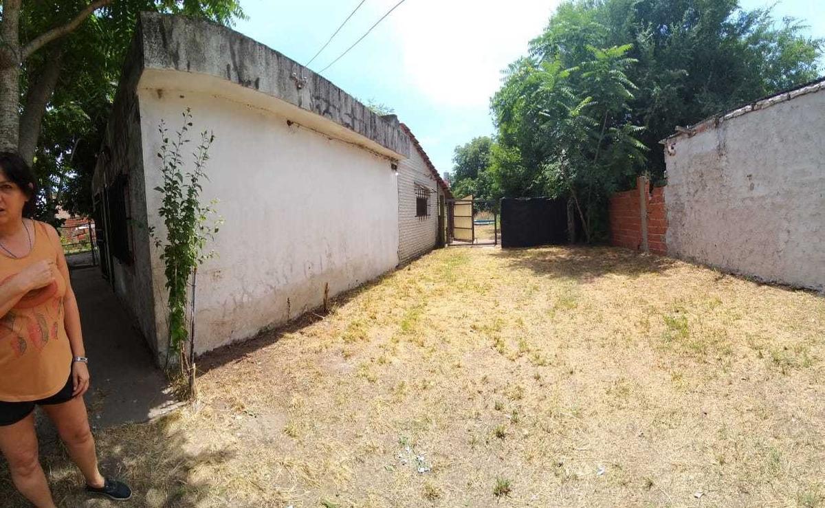 reservado! venta de casa financia 40%, calle yapeyú 1671