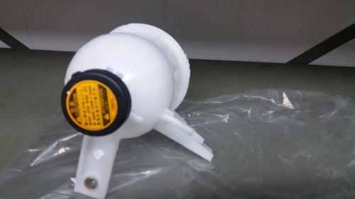 reservatorio agua do radiador hilux 2.5 e 3.0 05/15 comtampa