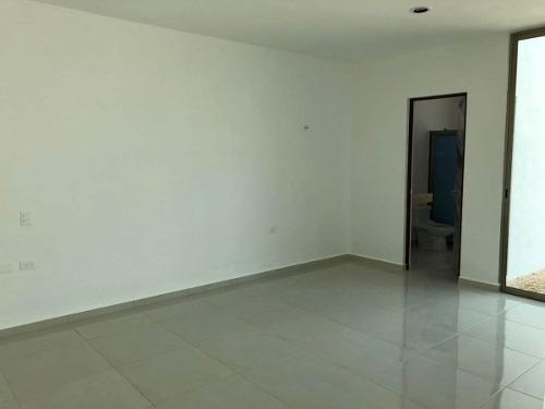 residencia 2 pisos con amplio terreno, san diego cutz.