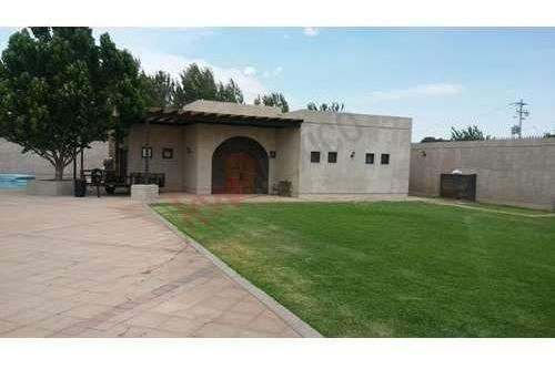 residencia a la venta con alberca en colonia sacramento chihuahua, chihuahua