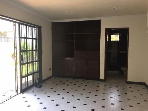 residencia clásica en renta, col. altavista, tampico, tamaulipas.