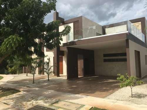 residencia de 377m2 en country club yucatan