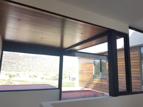 residencia de autor en altozano, 4 recámaras, una en pb, estudio, family room..