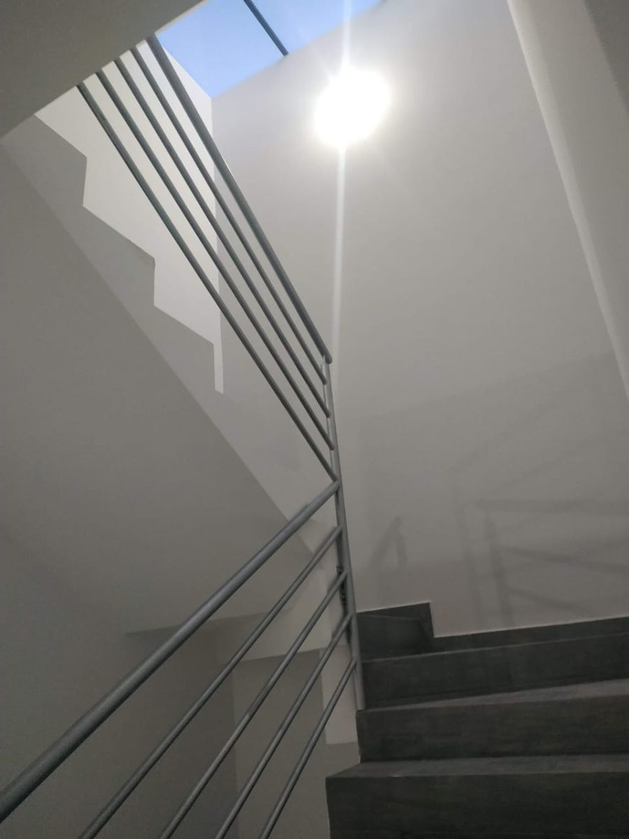 residencia de autor en lomas de juriquilla, sótano, 3 niveles, recamara en pb