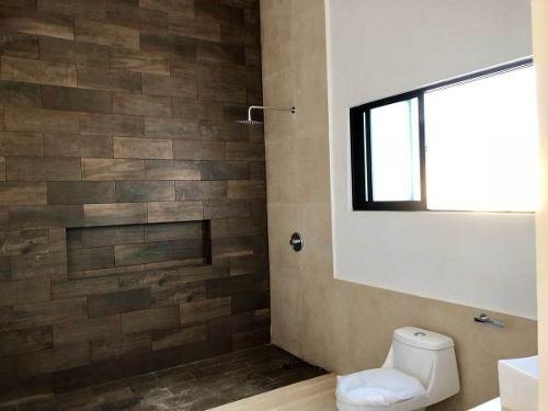 residencia en esquina lomas dzityá con 675 m2