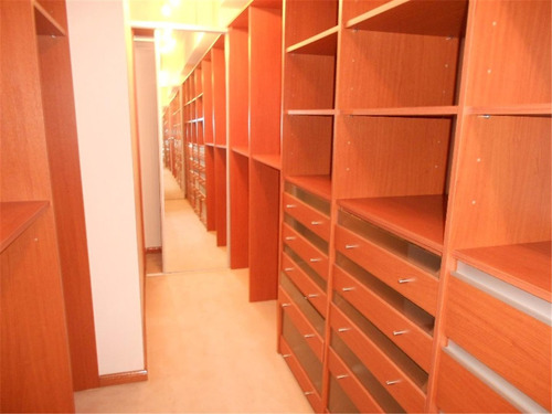 residencia en venta 6 ambientes en parque leloir :: 879m2