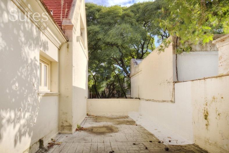 residencia en venta a metros del parque batlle