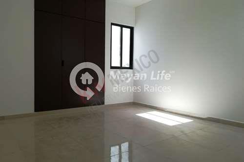 residencia en venta al norte de mérida, con piscina, en alura residencial