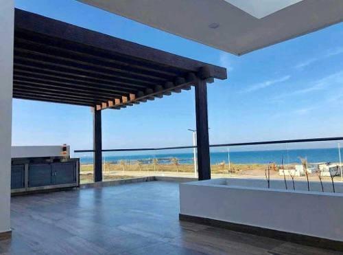residencia en venta con vista al mar en exclusivo fraccionam