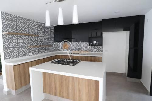 residencia en venta en monte olivo,santiago momoxpan,cholula