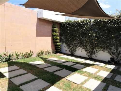 residencia en venta en valle del mayab, zona plateada.