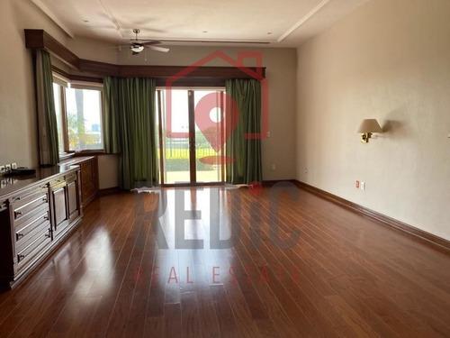 residencia en venta/renta en el campanario