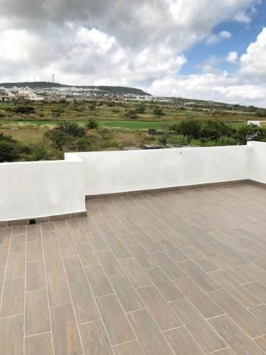 residencia en zibatá, 4 recámaras, una en p.b, roof garden, jardín, 4 baños..