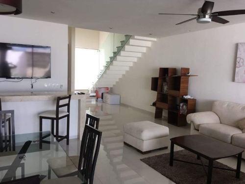 residencia minimalista 3 habs c/ piscina (sin muebles)