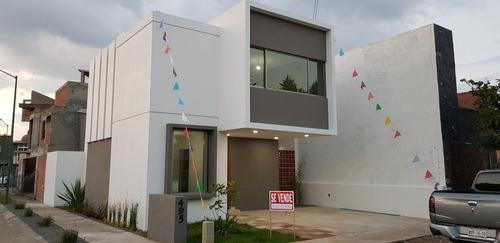 residencia nueva en esquina, fracc privado