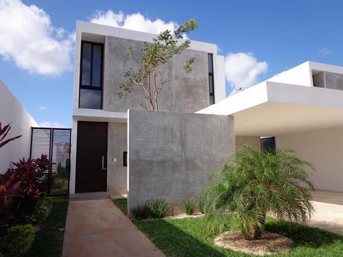 residencia nueva en privada arbórea, conkal