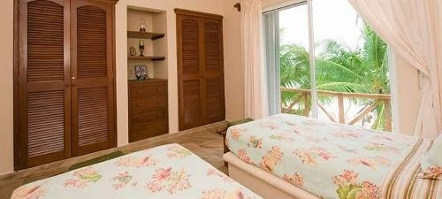 residencia privada al mar con playa
