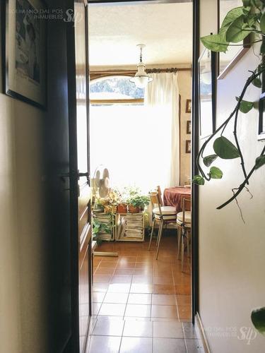 residencia sobre lote 637m2 ( fte 22 x 29 fdo) de 5ambientes  - la lucila-libert./rio