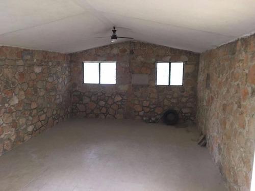 residencia tipo quinta en merida, remodelada y lista para estrenar