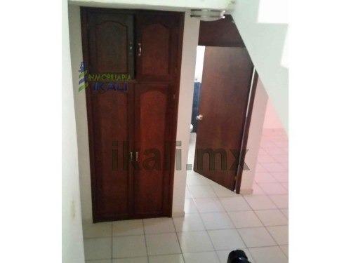 residencia venta colonia ruiz cortines tuxpan veracruz 3 habitaciones, se encuentra ubicada en la calle álvaro obregón # 21 esquina con calle juan soto lara de la colonia ruiz cortines, totalmente cl