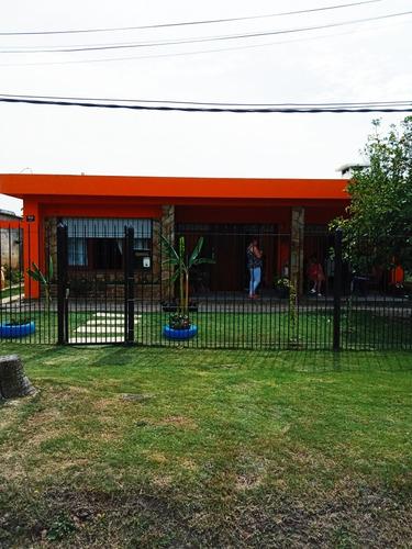 residencial. la casa naranja .solo para señoras