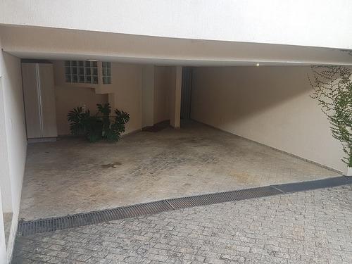 residência alto padrão em condomínio fechado - santo inácio!