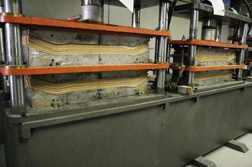 resina epoxi p/ colagem e reparo: barcos madeira skates 1 kg