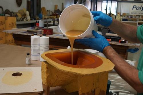 resinas,poliuretano,plastilina,fibra de vidrio,latex moldes