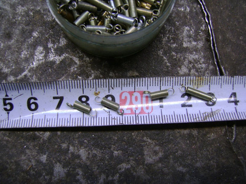 resorte pequeños  de calidad  tienen 12 mm y otros 6 o.7 mm