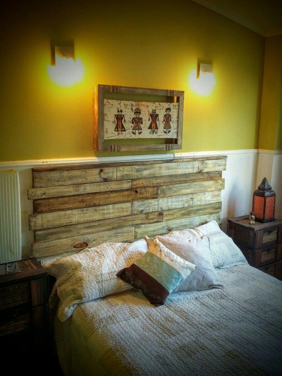 Cama palets cabecero de cama de palet color blanco cama for Sofa cama de madera reciclada