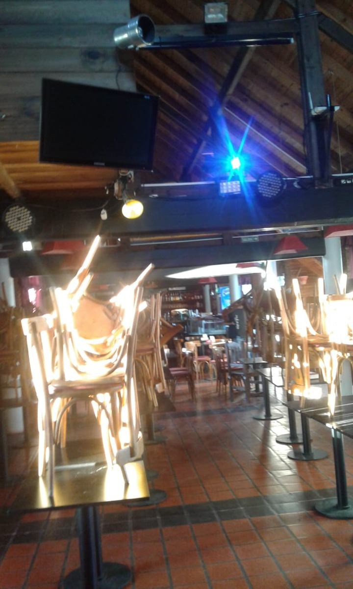 restaurant concert muy renonbrado