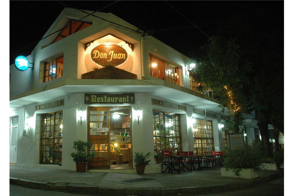 restaurant esquina plaza nueva helvecia
