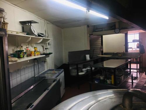 restaurante en barrio amón en funcionamiento
