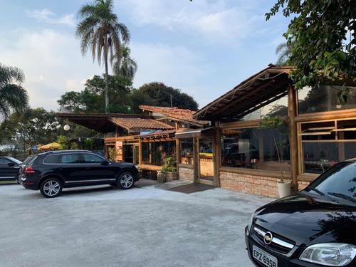 restaurante maravilhoso e rústico ao lado templo zu lai