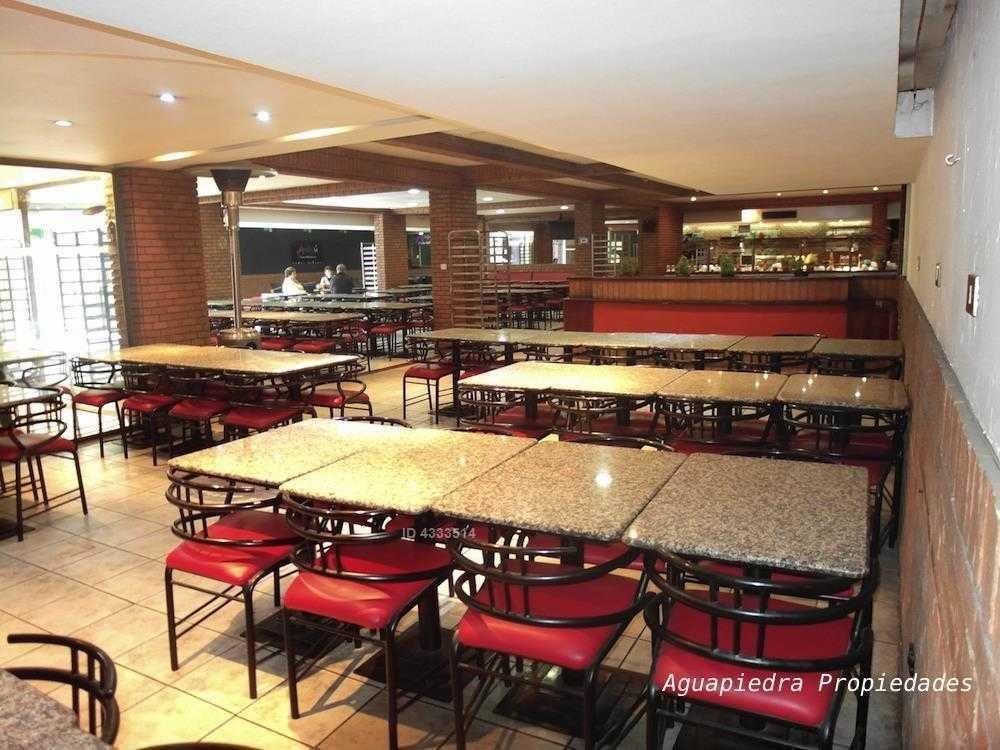 restaurante sub suelo en andrés bello con vitacura. sala de 520m2