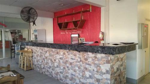 restaurante ubicado en el casco central