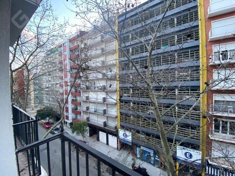 retasado - departamento de 2 amb a la calle c/ balcon invertido   oportunidad   muy luminoso.
