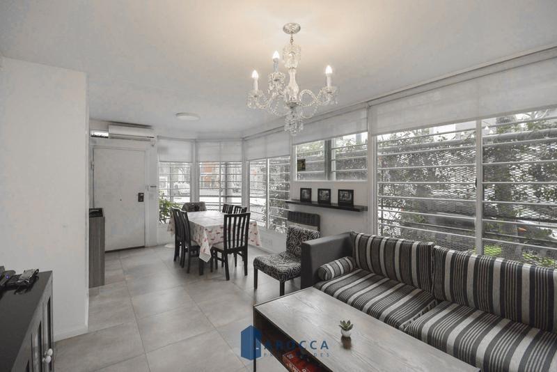 retasado!! ph tipo casa en venta 4 amb con terraza en colegiales
