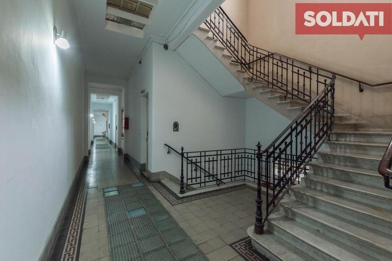 retasado venta  edif histórico. 3 ambientes. ideal estudiantes. san telmo